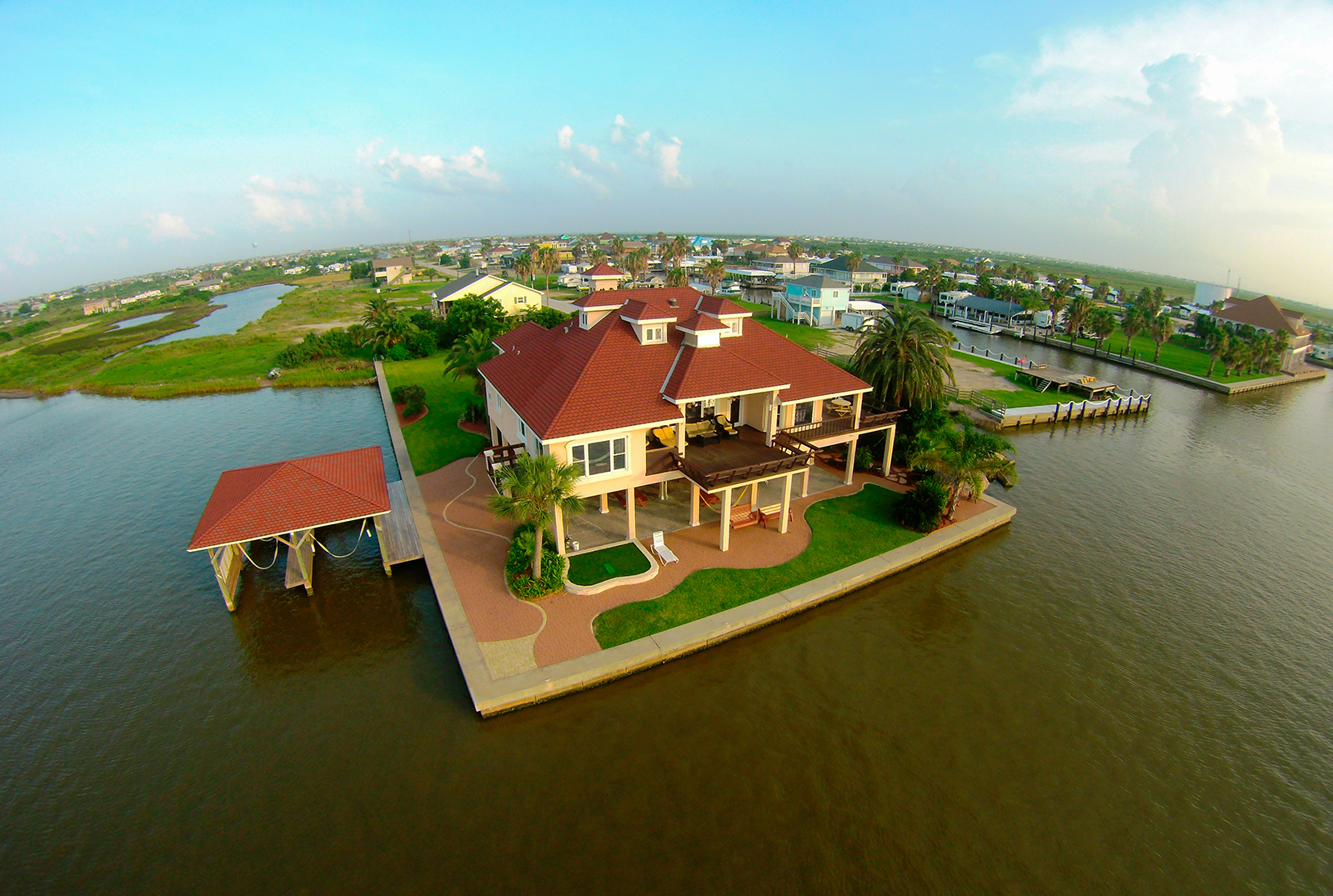 This Beautiful Mediterranean Style Beach Home Is For On The Intracoastal Waterway Crystal Texas Just A Ferry Ride Across